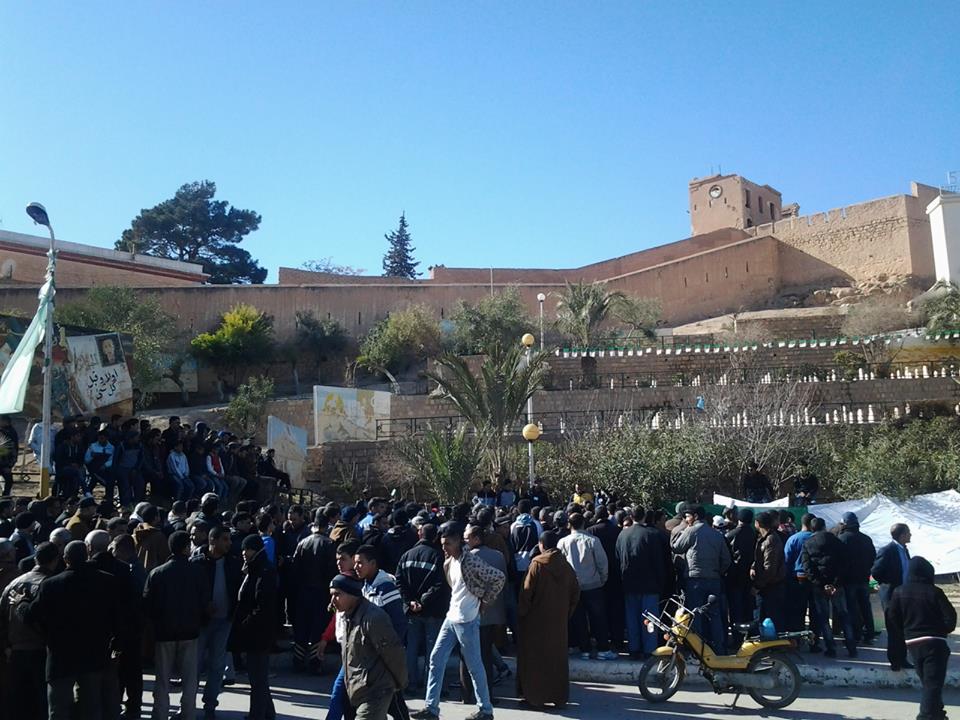 سكان حي 17 جوان يطالبون بإعادة فتح قاعة العلاج والفرع البلدي